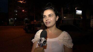Noivos têm carro roubado e convites de casamento são levados no ES - Assalto aconteceu em Bento Ferreira, em Vitória.Policial deu voz de prisão aos assaltantes, mas eles conseguiram fugiram.