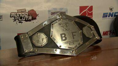 Chiqueirim fica com cinturão do BKF 3 - Lutador teria dado `golpe baixo` no adversário.