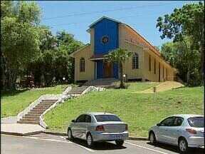 Reforma da Igrejinha do Lago ainda não está pronta - A igreja ainda precisa ser restaurada por dentro.