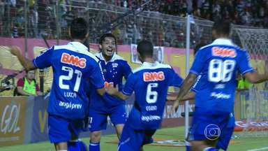 Cruzeiro garante título no intervalo do jogo contra o Vitória - Time mineiro ainda venceu baiano por 3 1