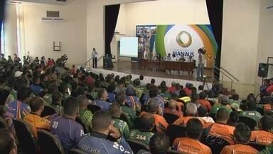 Audiência pública discute projeto de licitação para mototaxistas, em Manaus - A regulamentação está prevista em uma lei federal e municipal.