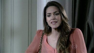 Leila perde a paciência com Natasha - A ruiva propõe que cada um ajude no trabalho doméstico no casarão, liberando Lídia dos serviços. Leila não concorda, mas todos são a favor. Neide vai à casa da filha pedir ajuda