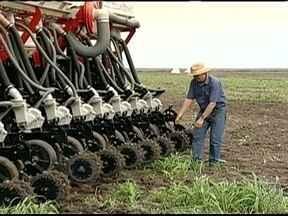 Agricultores do Piauí estão com dificuldade para contratar mão-de-obra qualificada - Os agricultores do Piauí estão com dificuldade para contratar mão-de-obra para operar as máquinas agrícolas usadas na lavoura.