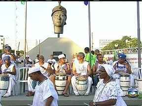 Celebrações e programação cultural comemoram o Dia Nacional da Consciência Negra - As celebrações pelo Dia Nacional da Consciência Negra começaram na manhã desta quarta (20). No monumento a Zumbi dos Palmares, uma programação especial promete render homenagens.