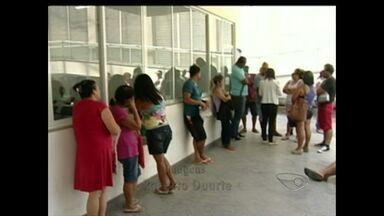 Moradores reclamam que falta funcionários no Ministério do Trabalho em Marataízes, ES - As pessoas que procuram atendimento, mesmo chegando de madrugada, não conseguem.