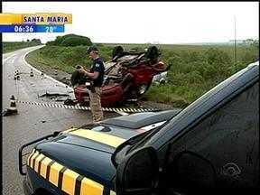 Três pessoas morrem no choque entre dois carros na BR-153, em Hulha Negra, RS - Terceira vítima só foi identificada no início da noite dessa terça-feira.