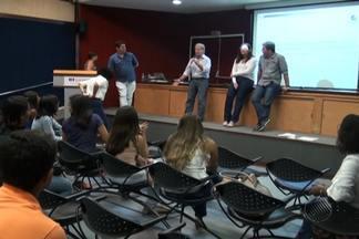 Caravana de profissionais do jornalismo da Rede Bahia visita universidade de Salvador - A visita faz parte de um projeto criado para aproximar o trabalho da emissora da comunidade acadêmica.