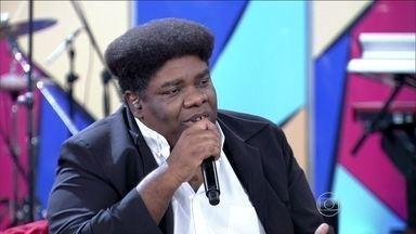 Serjão Loroza fala sobre o Dia de Zumbi: 'É o dia para comemorar pequenas vitórias' - O ator e cantor reconhece que é necessário celebrar