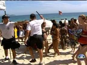 Quarta (20) é marcada por roubos na orla - Cariocas e turistas que aproveitaram a quarta-feira (20) de folga na praia enfrentaram muita correria nas areias. Autoridades falam o que farão para resolver o problema antes do começo do verão.