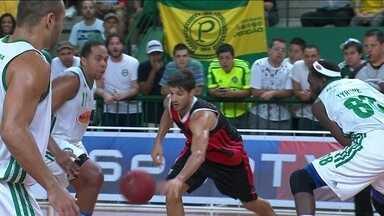 Laprovittola brilha, e Flamengo vence Palmeiras por 84 a 71 pelo NBB - Reforço argentino é o cestinha na terceira vitória seguida do clube na competição.