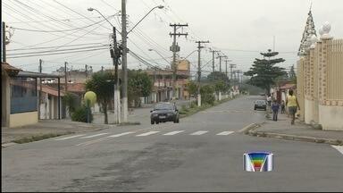 Adolescentes envolvidos com tráfico são baleados em Taubaté (SP), diz PM - Jovens de 15, 13 e 12 anos já são conhecidos da PM das ações no bairro. Mais velho está no hospital em estado grave e DIG afirma já ter suspeito.