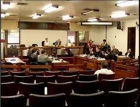 Câmara de Timóteo realiza sessão exraordinária para zerar pautas em 2013 - Votação aprovou projeto que prevê multas para quem não colaborar com os trabalhos de combate à dengue.