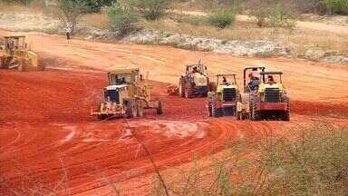 Ministro da Integração Nacional visita obras da Transposição de Águas do São Francisco - Transposição deve amenizar efeitos da seca no interior do Ceará.