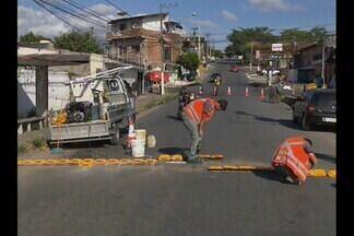 Dois atropelamentos no bairro Santa Rosa em Campina Grande - Moradores do bairro queimaram pneus e colchões pedindo segurança no local.