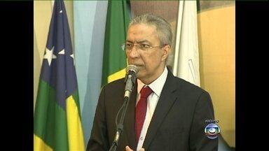 Governador de Sergipe morre aos 53 anos - Marcelo Déda estava internado desde maio em São Paulo para o tratamento de câncer no estômago e no pâncreas. O corpo dele será levado para Aracaju nesta segunda-feira (2). Ele lutava contra a doença havia quatro anos.