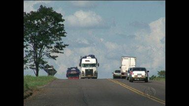 Audiência pública dá detalhes de duplicação da PR-323 - Estrada é importante ligação entre o Norte, Noroeste e a região de Guaíra, e previsão é de ter quatro pedágios.