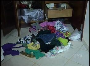 Assaltantes audaciosos roubam casa à luz do dia e levam até produtos de limpeza, em Palmas - Assaltantes audaciosos roubam casa à luz do dia e levam até produtos de limpeza, em Palmas