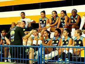 Candidato: a evolução da equipe do Praia na Superliga ao longo dos anos - Time é um dos apontados ao título do campeonato. Elenco conta com jogadoras de seleção, como Mari e as irmãs Monique e Michelle Pavão