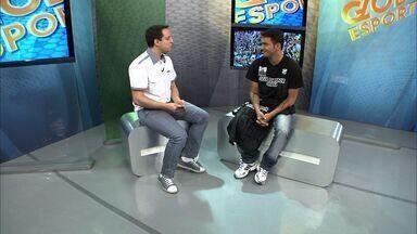 Assisinho conversa sobre novo momento no Ceará - Atacante foi apresentado oficialmente nesta quarta-feira.