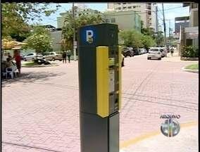 Cobrança de estacionamento rotativo em Macaé, no RJ, é suspensa - Serviço foi suspenso na cidade até a próxima segunda-feira (16).Decisão aconteceu após denúncias de vereador sobre irregularidades.