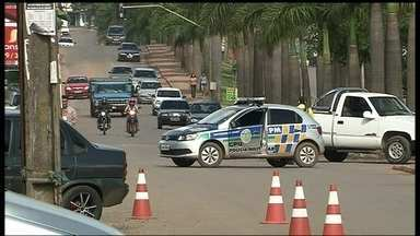 Polícia Civil comanda operação e prende nove ladrões de bancos - A Polícia Civil comandou uma grande operação e prendeu nove ladrões de bancos. A quadrilha era especializada em explodir caixas eletrônicos.