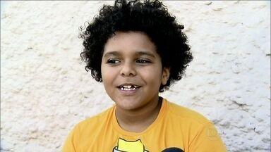 Veja a história do menino Lucas, que sofreu preconceito por causa do cabelo na escola - Atriz Giovanna Antonelli opina sobre o assunto: 'É um absurdo'