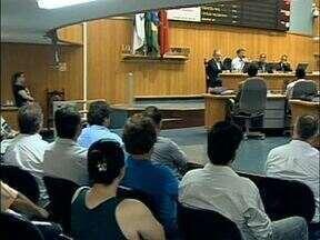 Empresários fazem apelo a vereadores por doação de terrenos - Depois das denúncias de irregularidades na CODEL os vereadores é que vão decidir se aprovam ou não a doação de áreas públicas para empresas de Londrina. Fábio Silveira comenta o impasse.