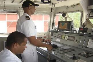Dia do marinheiro é comemorado com homenagens em Salvador - Equipe de TV acompanhou um pouco da rotina dos profissionais que lidam diariamente com o mar.