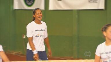 Teliana Pereira faz bonito no tênis feminino - Atleta é a brasileira mais bem colocada no ranking do tênis