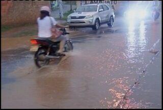 Montes Claros registra segundo dia de fortes chuvas - Algumas ruas ficaram inundadas.