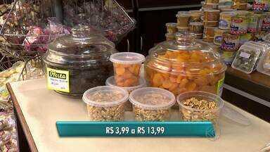 Pesquisa em Juiz de Fora revela variação do preço de frutas para ceia - Pesquisa foi realizada com 96 produtos em Juiz de Fora. O damasco tem a maior oscilação de preço entre as frutas.