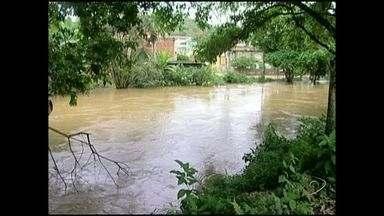 Após chuva, situação começa a ser normalizada em Divino São Louenço, no Sul do ES - Ontem, a água tomou conta da cidade.