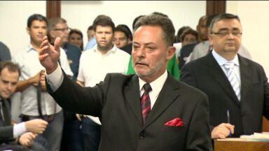 Atlético pega 12 jogos de suspensão - O advogado do clube, Domingos Moro, vai recorrer e o segundo julgamento pode acontecer ainda este mês. Enquanto isso, delegado foi para Joinville entregar o relatório final dos denunciados na briga.