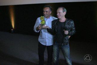 Ney Matogrosso é homenageado na primeira noite da 8ª Edição do Fest Aruanda, em JP - Veja como foi a noite de homenagem e a programação deste sábado do Festival.