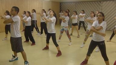 Show de dança comemora cinco anos de estúdio, no Amazonas - A academia Backstage Estúdio de Dança está completando cinco anos de história e para comemorar promove show especial na plenária do Studio 5.