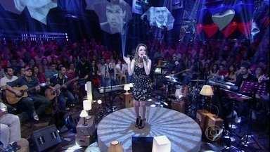 Sandy se apresenta com a música 'Meu bem, meu mal' - Cantora se apresenta no aniversário de 13 anos do Altas Horas
