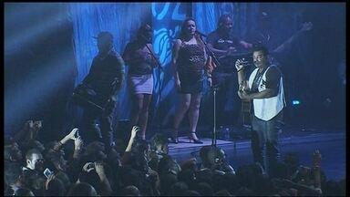 Raça Negra faz show com sucessos que marcaram gerações - A banda Raça Negra invadiu Brasília com sucessos que marcaram gerações. Há mais de três décadas na estrada, o Raça Negra renova o público.