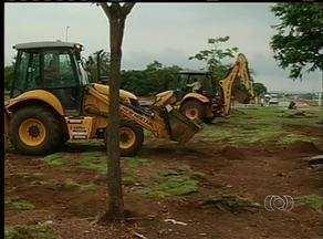 Obras de pavimentação em Palmas são paralisadas por causa da chuva - Obras de pavimentação em Palmas são paralisadas por causa da chuva.