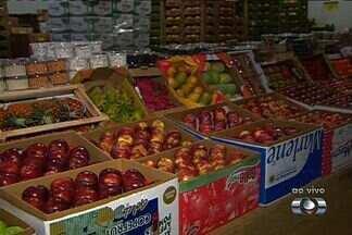 Ceasa é opção para quem quer comprar frutas e verduras para ceia natalina - Preço na central de abastecimento é menor que em supermercados, em Goiânia.