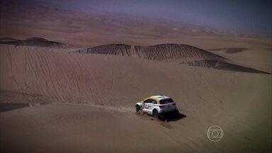Conheça pessoas que desbravam o mundo de carro - Dois pilotos contam como é participar do Rali Dakar, o maior do mundo, que vai da Argentina até o Chile.