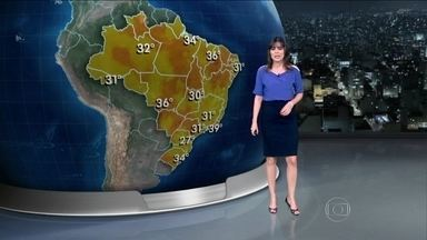 Previsão é de temporal na Região Sul na terça-feira (07) - A previsão é de temporal, com ventania e granizo, na Região Sul. Deve chover forte em São Paulo, entre Mato Grosso do Sul e Amazonas, e do Maranhão ao Ceará.