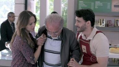 Paloma recebe a notícia da morte de Leila e avisa Amadeu - Lutero convence César a fazer novos exames