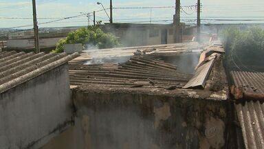 Incêndio no bairro Ipiranga em Ribeirão Preto - Criança teria colocado fogo em colchão durante brincadeira.