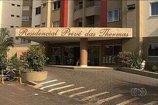 Hóspede acusa homem de ter causado acidente em piscina de Caldas Novas - Para o comerciante Hélio Dias Gonçalves, o administrador brincava com o ralo da piscina quando acabou perdendo o controle da situação. O acidente aconteceu no último dia 9.
