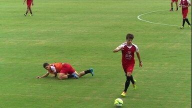 Muricy muda São Paulo e Ademílson entra no lugar de Osvaldo - Não deu nem tempo de o atacante comemorar e já foi para o banco
