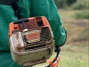 Polícia procura ladrões de roçadeiras - Vinte e nove equipamentos foram levados da empresa responsável pela capina pública de Londrina.
