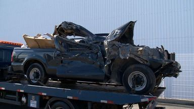 Acidente entre dois veículos deixa trânsito lento na ES-010, na Serra - Batida foi às 7h30 no sentido Jacaraípe e complicou trânsito até às 8h30.Batalhão de Trânsito informou que motorista não se feriu gravemente.