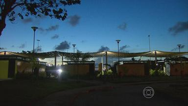 Brinquedos e equipamentos de ginástica estão quebrados no Parque de Apipucos - Espaço, na Zona Norte do Recife, também não tem iluminação à noite.