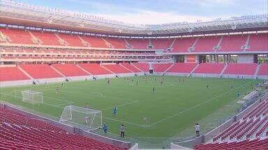 Novo elenco do Náutico conhece a Arena Pernambuco - Grupo faz primeiro treino no estádio