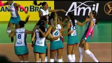 Sesi e Osasco estão na final da Copa Brasil de Vôlei - O Sesi de São Paulo ganhou de virada e desbancou o favorito Rio de Janeiro, do técnico Bernardinho. Na segunda semifinal, o Osasco derrotou o Campinas.